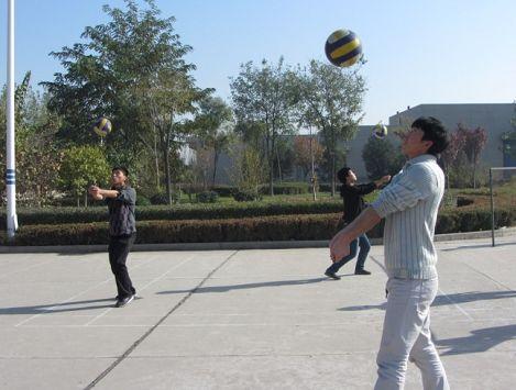 排球垫球 高清图片