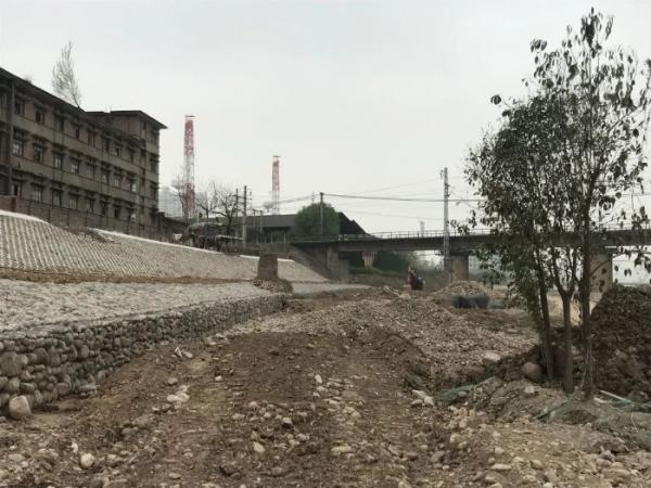 """亲水平台、座椅路灯, 宝鸡金陵河河道将""""变身"""""""